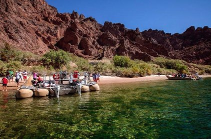 Las Vegas Tour: Grand Canyon Helicopter Flight and Colorado River Float
